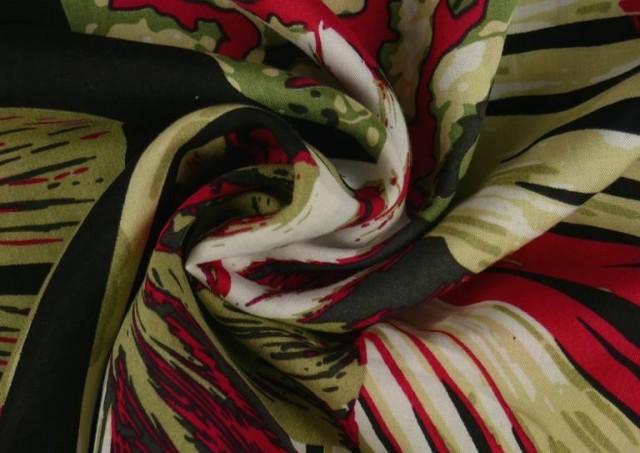 Venta online de Tela de Viscosa Tropical Roja