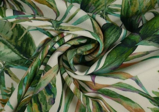 Comprar online Tela Crespón con Lycra Tropical color Verde