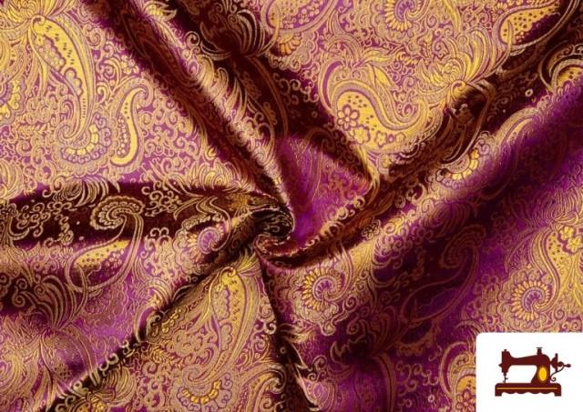 Comprar online Tela Jacquard de Seda de Colores con Cachemir Dorado color Morado