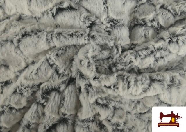 Comprar online Tela de Pelo Suave Textura Animal Print