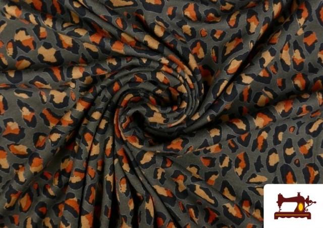 Comprar online Punto de Viscosa Estampado Leopardo Salvaje color Marrón