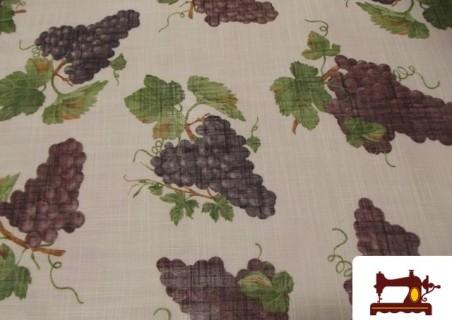 Tela de Visillo con Racimos de Uvas