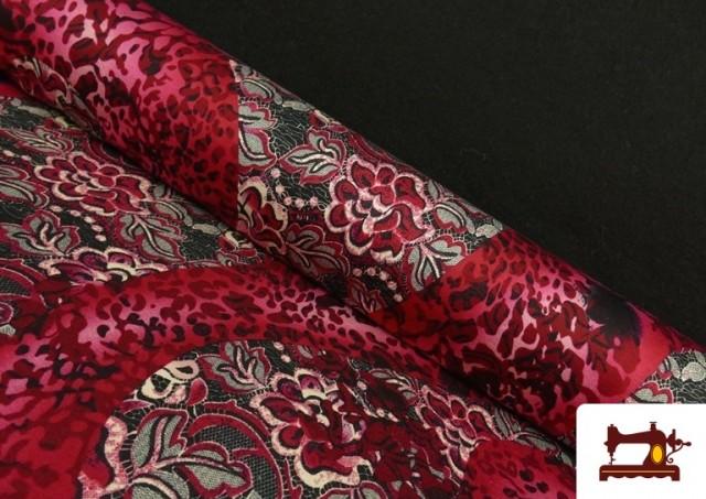 Tela de Punto de Jersey Floral y Animal print color Rubí